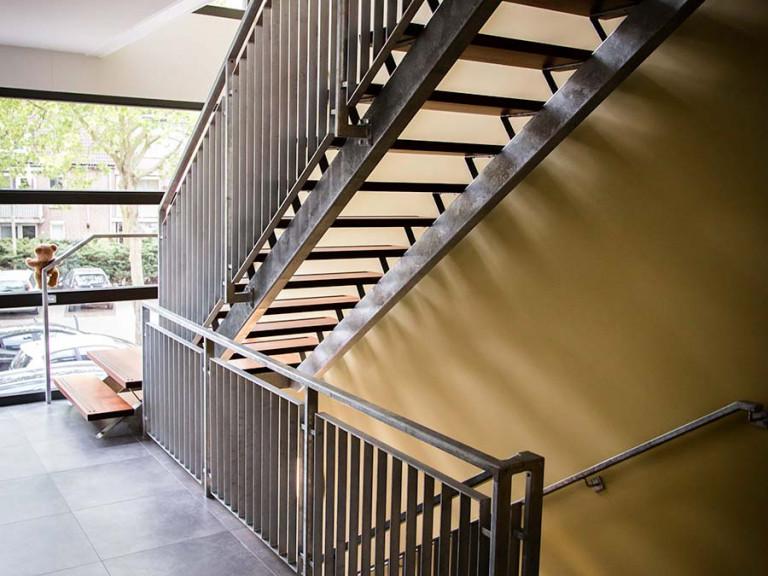 Stalen Trap, Nieuwbouw Appartementencomplex, eerste Verdieping
